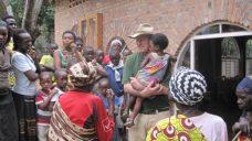 Kunigo Hermano Jono Šulco gyvenimo patirtis, gyvenimas Ruandoje, Genocidas, jaunimo sodybos įkūrimas